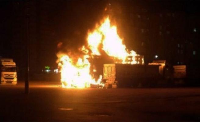 Çocukların ateşi TIR'ı patlattı!!