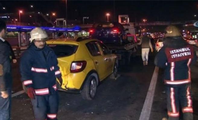 Merter E-5 Karayolu'nda trafik kazası: 4 yaralı!