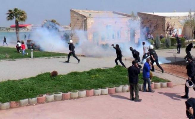 Üniversitede Nevruz kutlamasına polis müdahalesi!