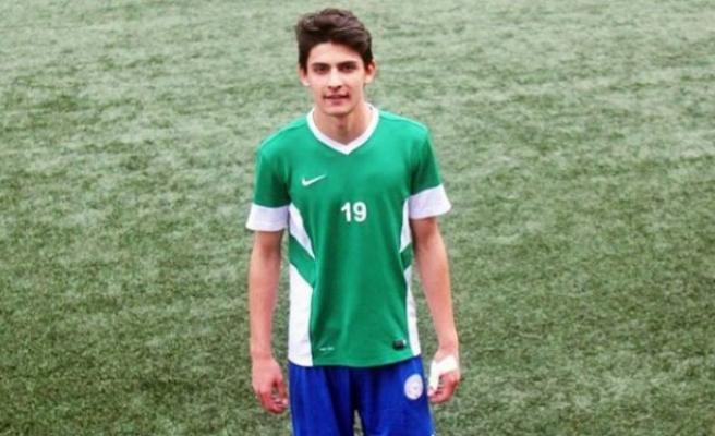 Genç futbolcu bir maçta 9 gol attı!