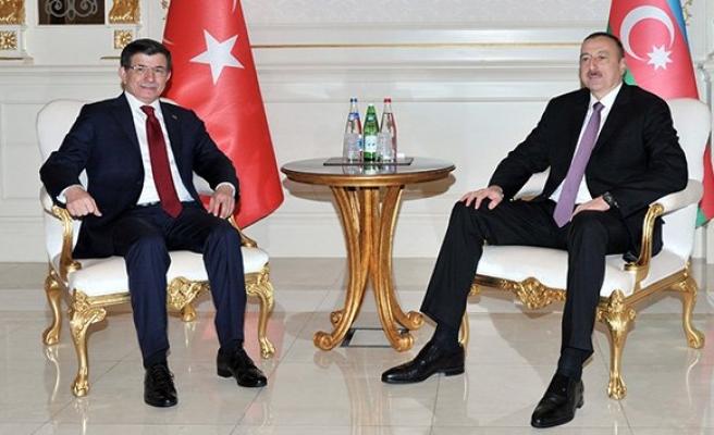 Başbakan Davutoğlu'ndan, Azerbaycan Cumhurbaşkanı Aliyev'e taziye telefonu!