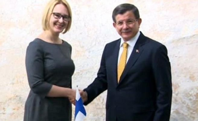 Başbakan Davutoğlu Finlandiya Parlamento Başkanı Lohea ile görüştü!
