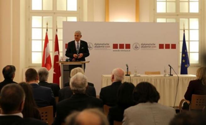 AB Bakanı Bozkır, Avusturya'nın Başkenti Viyana'da konferans verdi!
