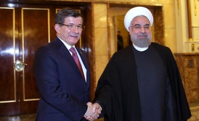 Davutoğlu, Ruhani görüşmesinde neler konuşuldu?!