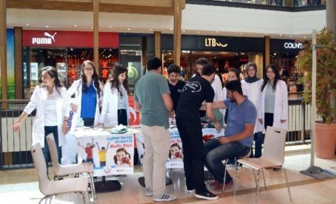 KSÜ öğrencileri Obeziteye dikkat çekmek için Stant açtı