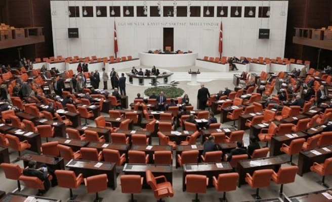 'Yeni Kabinede Davutoğlu'na Yakın İsimler Tasfiye Edilecek'