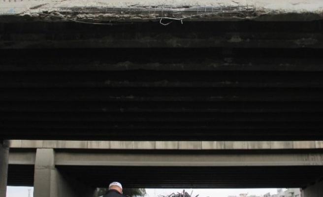 Vinç Köprüye Çarptı, Engelli Çocuklar Ölümden Döndü!