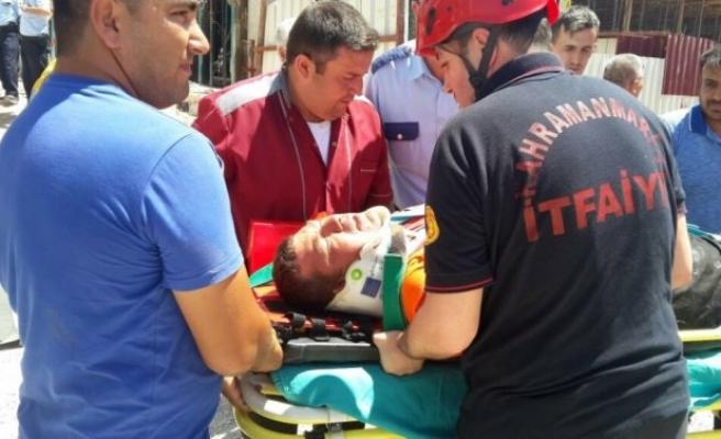 İnşaatta İskele Çöktü, 3 Kişi Yaralandı