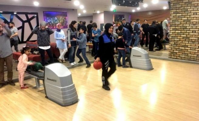 Şehit ve Gazi aileleri bowling etkinliğinde buluştu