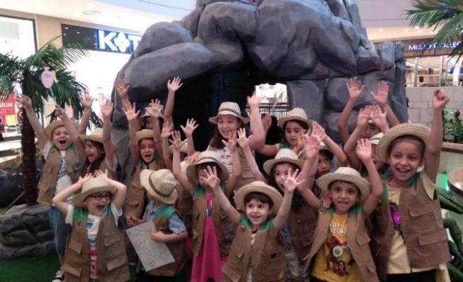 Kahramanmaraşlı çocuklar dinozorlarla buluştu