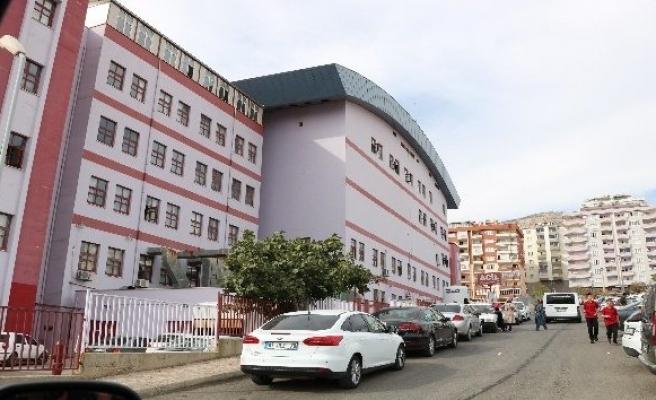 Kahramanmaraş'ta 4 öğrenci yediği köfteden zehirlendi