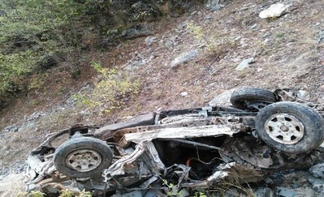 Pikap paramparça oldu, sürücü hayatını kaybetti!