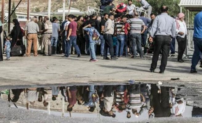 Binlerce Suriyeli geri dönüyor!