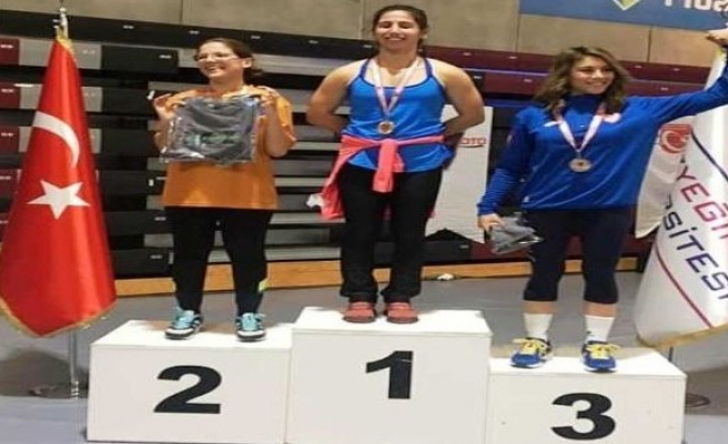 Uzungündeş, salon kürek şampiyonasında 3. oldu