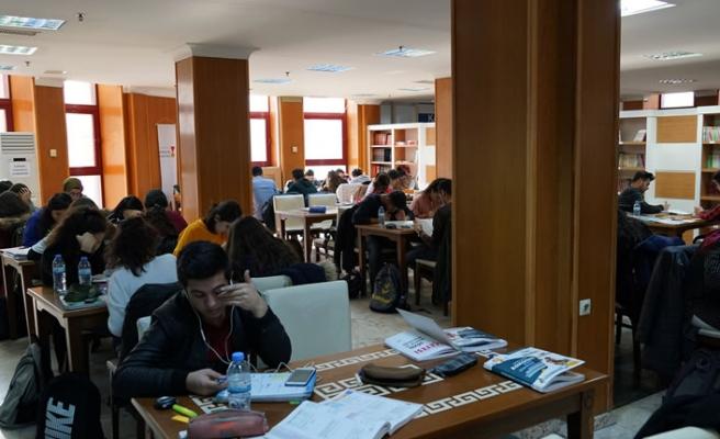 Büyükşehir'de bilginin merkezi kütüphaneler dolu dolu