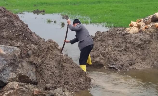 Kahramanmaraş'ta yüzlerce dönüm tarla göl oldu!