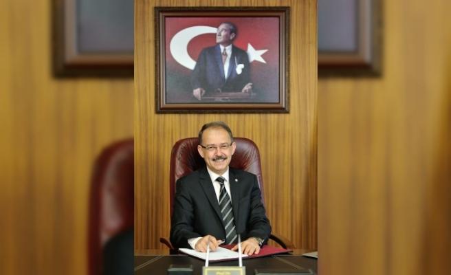 """SANKO ÜNİVERSİTESİ REKTÖRÜ PROF. DR. GÜNER DAĞLI: - """"BAYRAMLAR, PAYLAŞMANIN EN GÜZEL ÖRNEKLERİNİN YAŞANDIĞI GELENEKLERİMİZDEN BİRİDİR"""""""