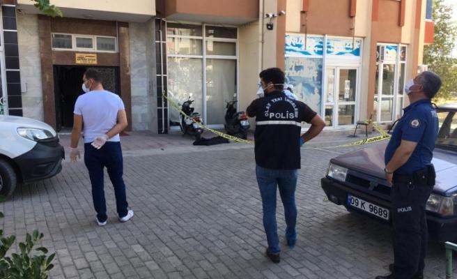 Polis ekipleri 13. kattan düşüp ölen şahsın kimliğini araştırıyor