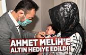 Ahmet Melih'e Elbistan Belediye Başkanı altın taktı!