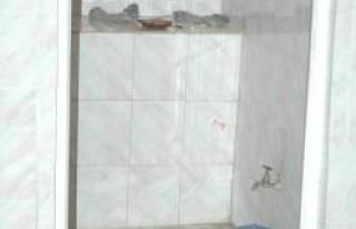 Cami tuvaletinde uyuşturucu aldı