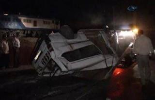 Komşuda katliam gibi tren kazası: 9 ölü, 4 yaralı!...