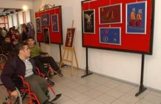 Engelli öğrenci velilerinden AK Parti'ye ziyaret...