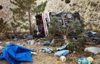 Köy otobüsü kazasında ölü sayısı 5'e yükseldi!