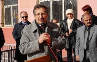 Poyraz: 'Okullara yardımlara devam edeceğiz'