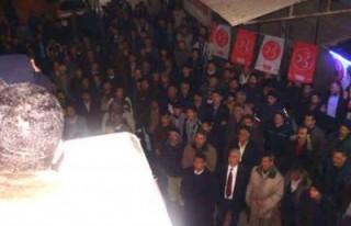 Daşcı Karacaoğlan'da halkla buluştu