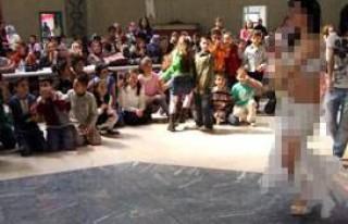 Okulda dansözlü programa soruşturma!