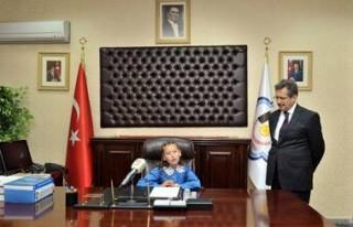 Başkan Poyraz'ın koltuğuna kim oturdu?