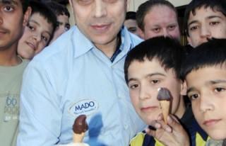 MADO'dan çocuklara 10 bin parmak dondurma