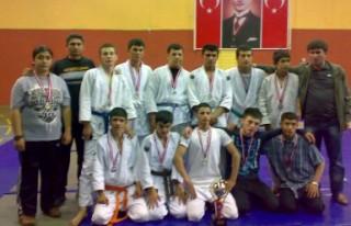KATEM'in öğrencileri judoda madalyaları topladı