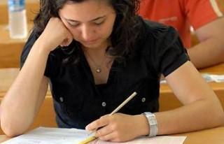 Ali Kenger Anadolu Lisesi, YGS'de 9 derece elde etti!