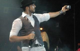 39 derece ateşle KSÜ'de konser vermiş!