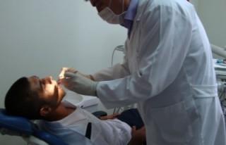 KMS'li futbolculara diş muayenesi yapıldı'
