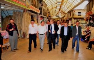 AK Partili Güvenç esnaf ziyaretleri yaptı'