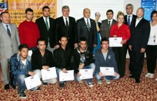 Projeye katılanlara sertifikaları törenle verildi…
