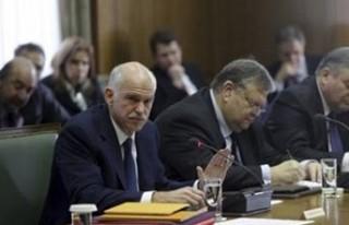 Papandreu'nun kaderi belli oldu..
