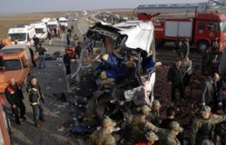 Diyarbakır'da feci kaza: 25 ölü
