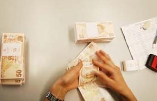 Eski milletvekillerin aylığı 8 bin 40 liraya yükseltildi!