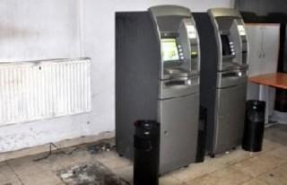 BURASI TÜRKİYE: İçi para dolu ATM'yi çaldılar!