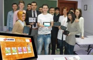Pİ Analitik Dershanesi öğrencilerine tablet verilecek!...