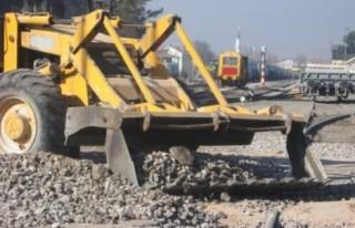 Demiryolu yenileme çalışmalarında kaza!