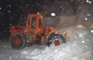 Tufanbeyli'de kar kalınlığı 50 santimetreye ulaştı!