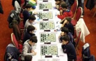 Satranççılar altın madalyayla döndü!