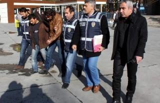 Suriyeli 9 gaspçı adliyeye sevk edildi