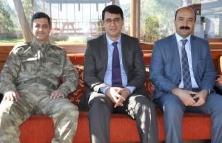 Komutan, Türkoğlu Kaymakamını ziyaret etti