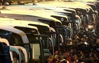 Otobüslerde yolculara