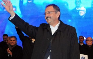 Kayseri'de Mehmet Özhaseki yeniden seçildi